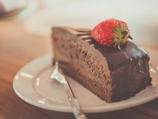 Custom Desserts Are on the Menu at Ashley's Sweet Beginnings